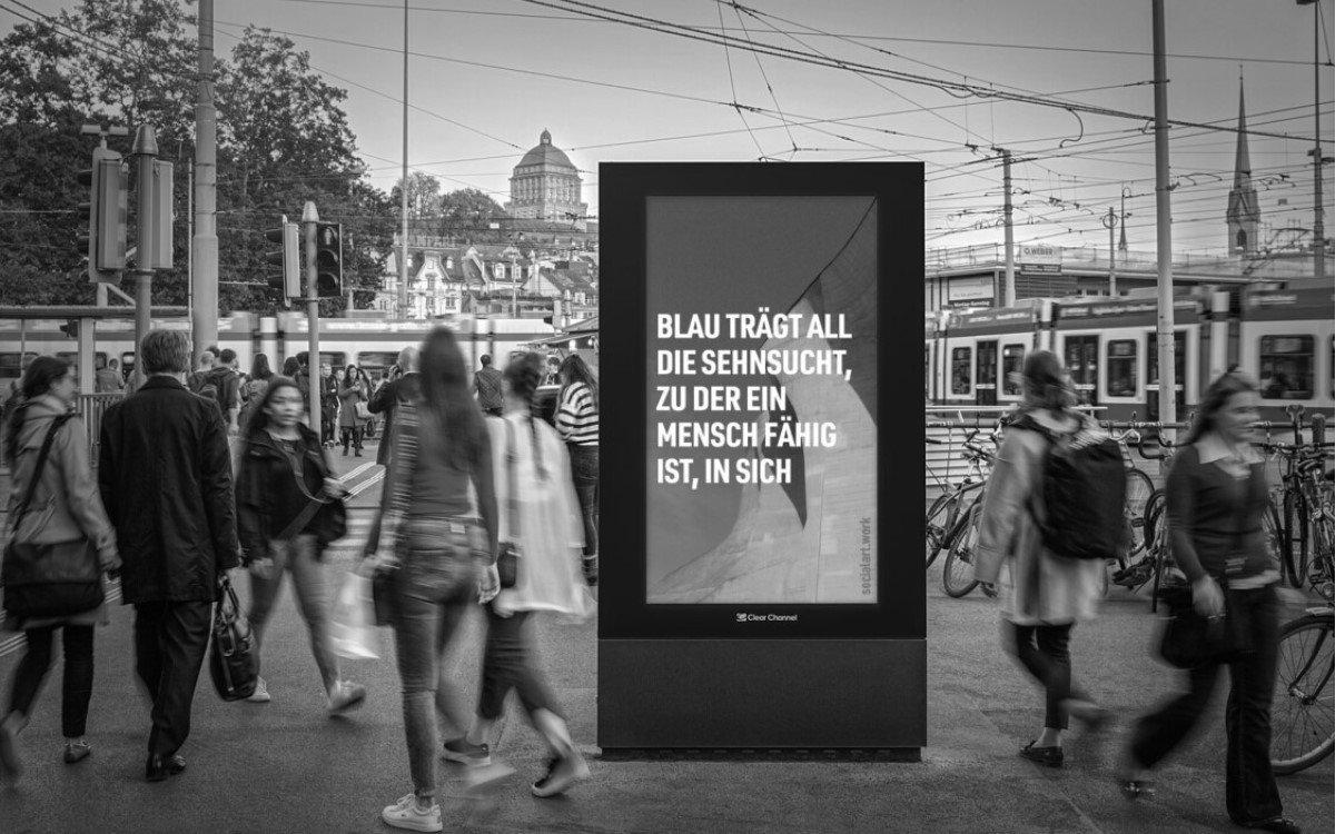 Clear Channel präsentiert Werke des Künstlers Martin Firrell bis zum 28. Juli auf seinen DooH-Screens in Zürich und Basel (Foto: Clear Channel Schweiz)