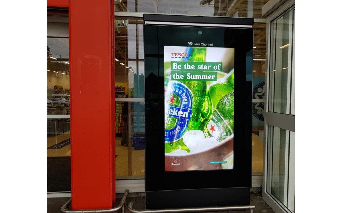 Die niederländische Brauerei Heineken startet nach der Lockdown-Flaute mit einer neuen Kampagne bei Tesco in UK (Foto: Heineken/Kinetic/Starcom)