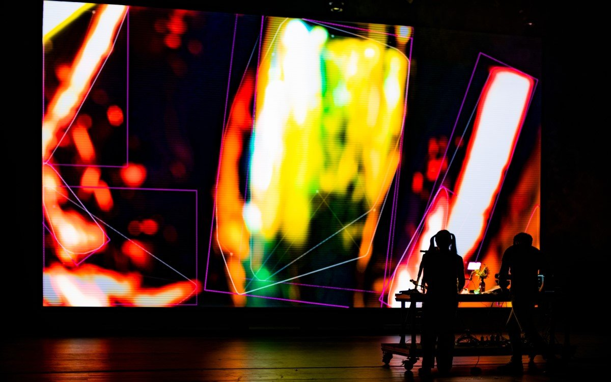Die LED-Videowall der Hamburger Musik- und Theaterhochschule im Einsatz (Foto: HfMT Taizhi Shao)