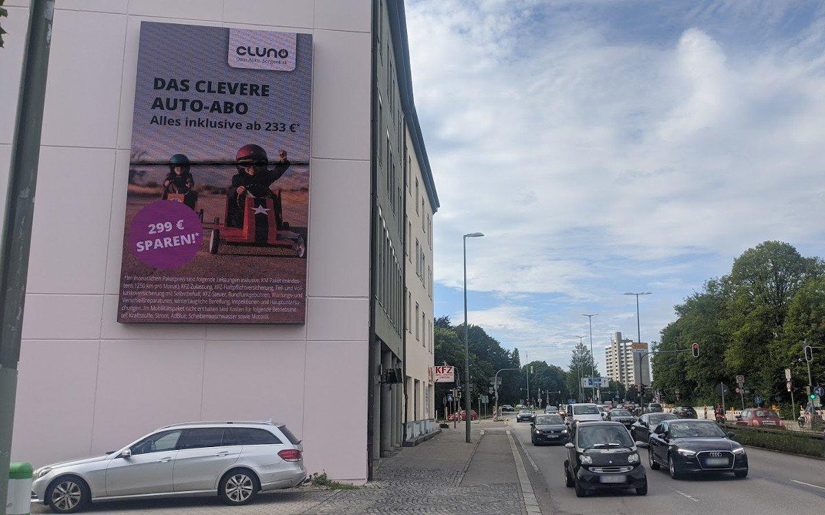 Ströer Megaboard in München (Foto: invidis)