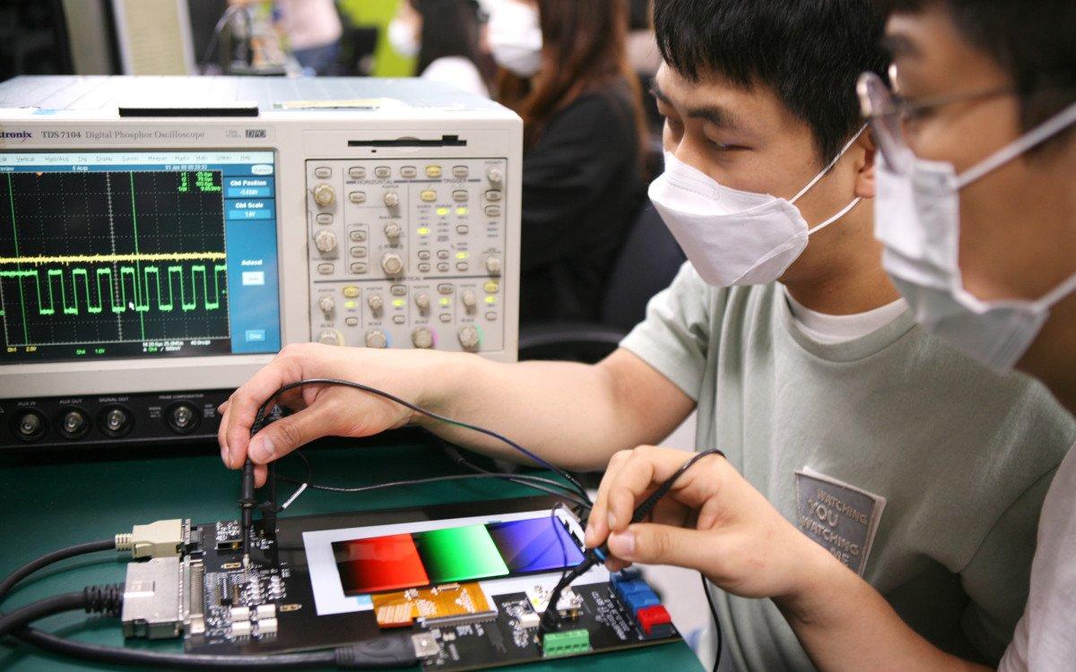 Signifikante Stromersparnis mit variabler Bilderwiederholungsrate (Foto: Samsung)