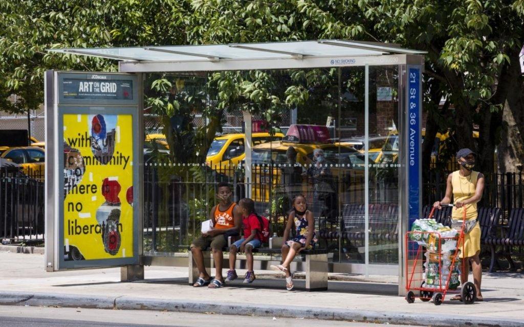Die Kunstausstellung Art on the Grid auf JCDecaux DooH-Screens in New York (Foto: JCDecaux)