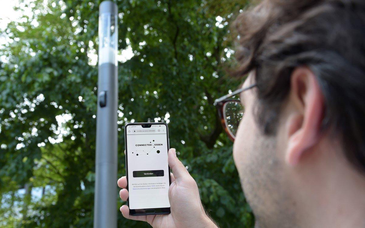 Die innogy Smart City Poles verfügen über umfassende IoT-Sensorik und liefern auch 5G-Wlan (Foto: innogy)