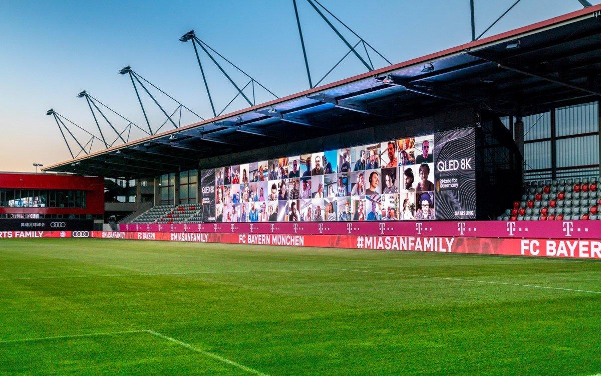 Die FC Bayern Fan-Wall bringt mit Echtzeitübertragung die Fans digital ins Stadion (Foto: Samsung)