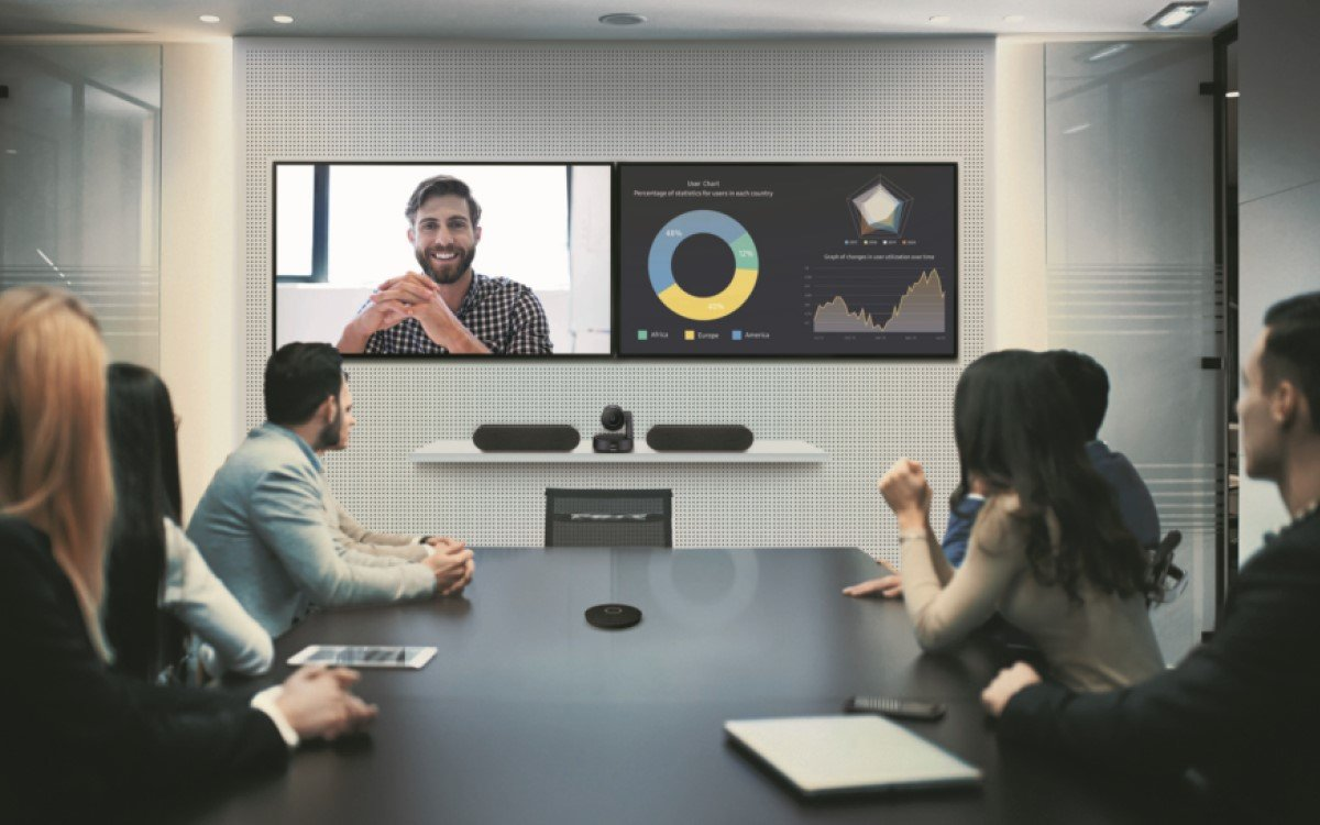 Collaboration-Lösungen bestimmen das neue Normal – Samsung und Logitech bündeln ihre Expertise, um gemeinsam Lösungen für smarte Arbeitsplätze zu liefern (Foto: Samsung)