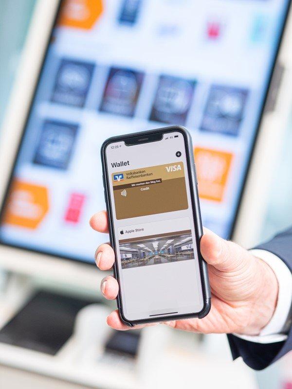 Am neuen VR eKiosk lassen sich unter anderem Gutscheinkarten für Apps, Spiele, Shopping und Musik erwerben sowie Prepaid-Mobilfunkkarten kaufen (Foto: Volksbanken Raiffeisenbanken)