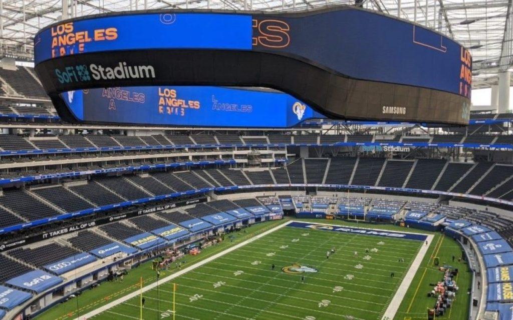 Das 6.500 m² große Mega-LED-Display von Samsung im SoFi Stadium in Hollywood, LA (Foto: Samsung)