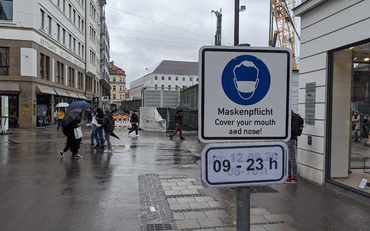 Maskenpflicht in der Innenstadt von München (Foto: invidis)