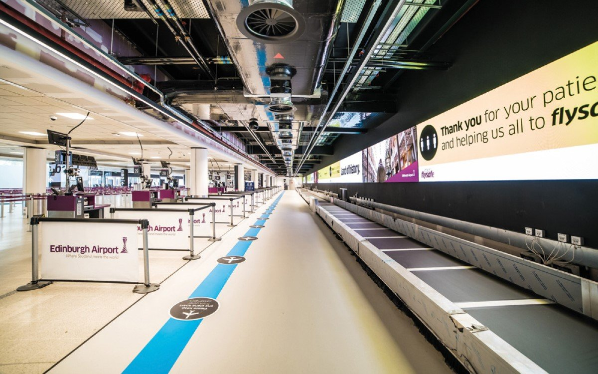 85 Meter lange Absen LED-Wall im Edinburgh Airport Schottland (Foto: Absen)