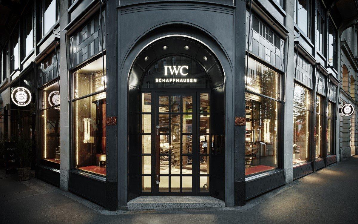 Die brandneue IWC Schaffhausen Flagship-Boutique in Zürich von außen (Foto: Valentin Jeck/IWC Schaffhausen)