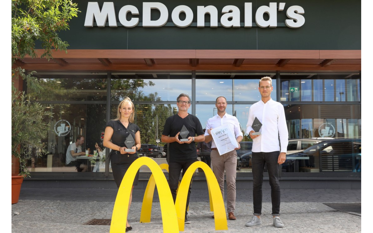 V.l.n.r.: Bisi Andrejevic (Senior Client Manager, OMD), Andreas Spielvogel (Executive Creative Director, DDB), Marcus Zinn (Director Sales, EPAMEDIA), Benedikt Böcker (Director Marketing, McDonald's Österreich) (Foto: Epamedia)