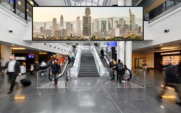 In öffentlichen Gebäuden ist Brandschutz sehr wichtig - auch, was die Displays angeht (Foto: Media Frankfurt, Frankfurt Fotografie Marco Kröner @mkroener)