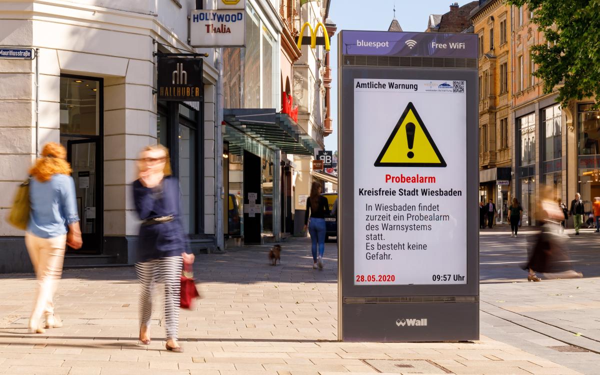 Städte mit digitalen Werbeflächen von Wall können das neue Warnsystem MoWaS nutzen (Foto: Wall)