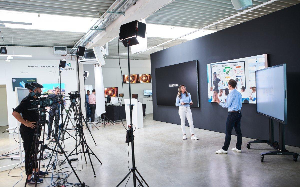 Hinter den Kulissen des Samsung Virtual Display Solutions Day aus dem Showroom in Schwalbach (Foto: Samsung)