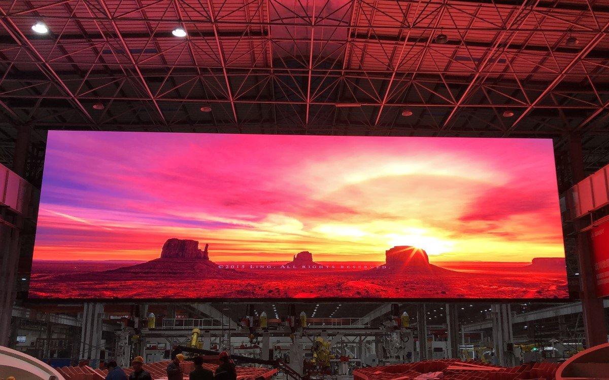 Die 232qm LED-Wall von Absen in der modernen 5G-Fabrik des Baumaschienenherstellers SANY (Foto: Absen)