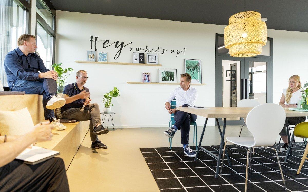 Ladenbau-Design trifft Digital Signage - Maik Drewitz und Stefan Knoke im Gespräch (Foto: Umdasch)