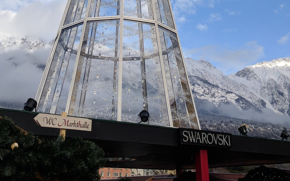 Swarovski Weihnachtsbaum in Innsbruck (Foto: invidis)