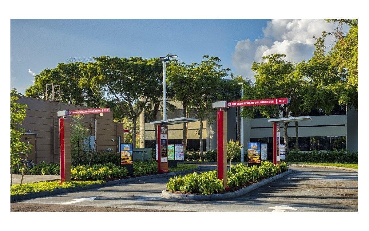 Burger King mit zwei Drive-Thru Spuren und sieben Displays (Foto: RBI)