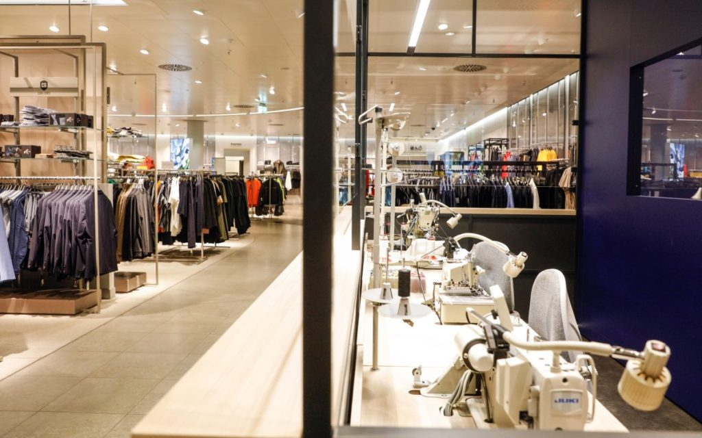 Moderner Retail im Breuninger-Store in Düsseldorf (Foto: Breuninger/Jessica Maiwald-Kassner)