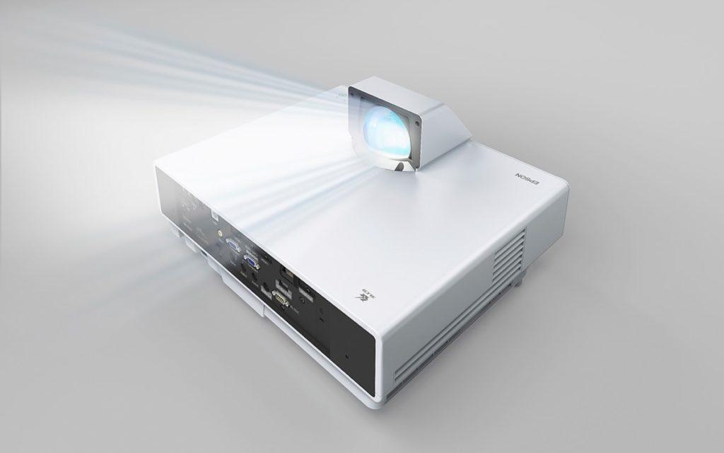 Der neue Epson EB-L800F (Foto: Epson)