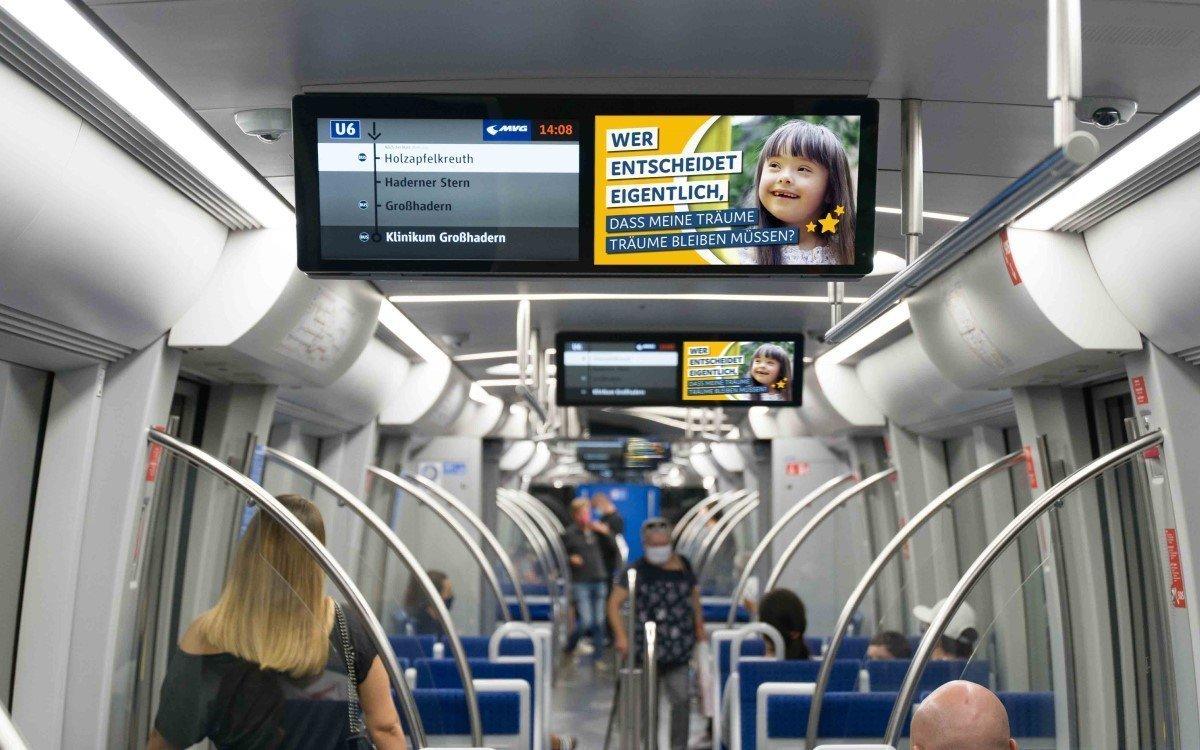 Aktion Kindertraum-Kampagne in Bahnen und Bussen Berlins und Münchens dank unterstützung von mcrud (Foto: Aktion Kindertraum)