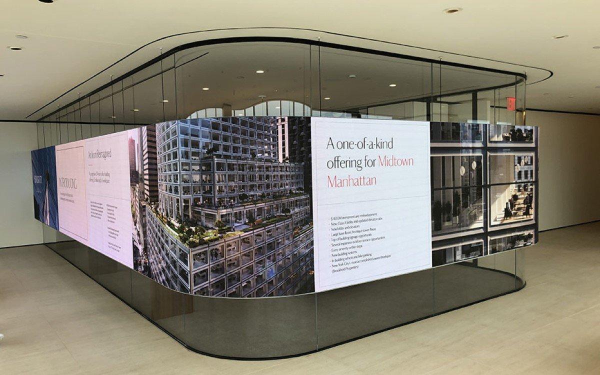 Flexible NanoLumens LED-Wall um Konferenzraum für die Midtown West Marketing Suite in New York (Foto: NanoLumens)