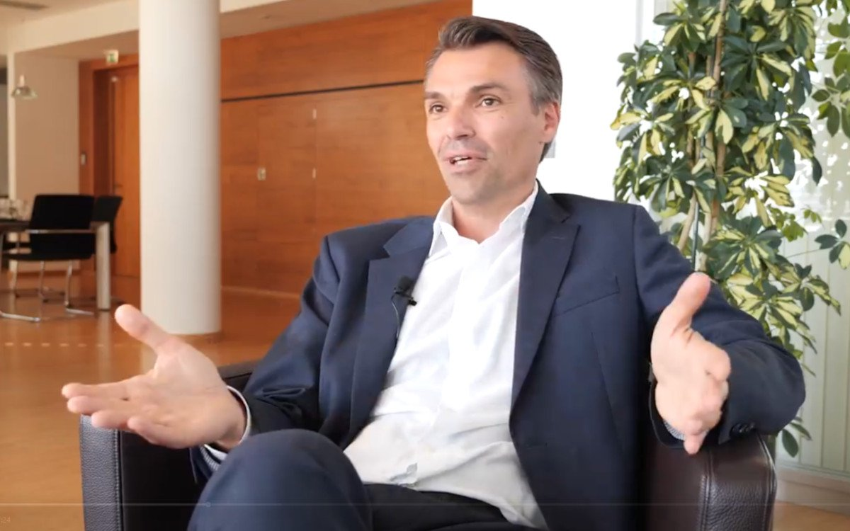Kapsch Vorstand Jochen Borenich im Interview mit TrendingTopics (Foto: Screenshot)