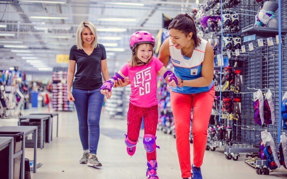 Sportarten direkt vor Ort ausprobieren gehört zum Shoppingkonzept von Decathlon (Foto: Decathlon)