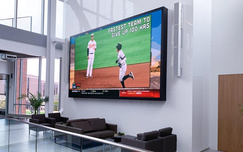 11qm LED-Wall von SNA im Büro-Komplex des Titletown Unterhaltungsdistrikts in Green Bay, Wisconsin (Foto: SNA Displays)