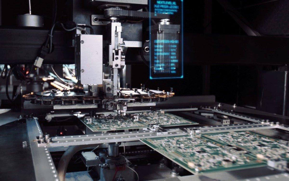 Bild aus der Herstellung der Touch-Lösungen bei TES America (Foto: TES America)