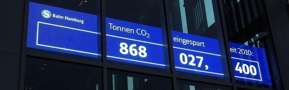 Hamburg enthüllt CO2-LED (Foto: Deutsche Bahn)