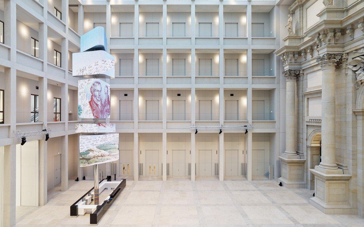Humboldt Forum Foyer mit LED-Kosmograph (Foto: SHF / Alexander Schippel)