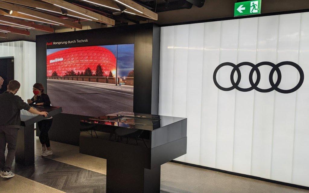 Audi Car Configurator Fan Edition in der FC Bayern World (Foto: invidis)