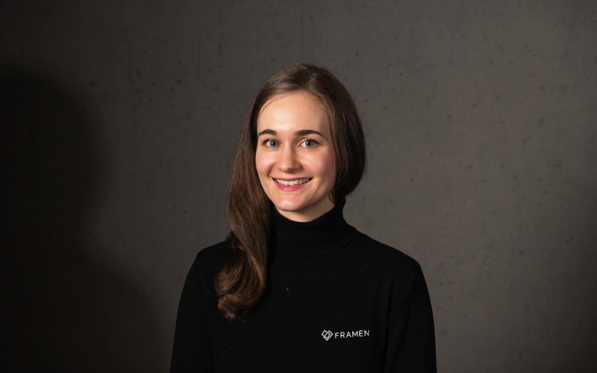 Magdalena Pusch, Co-Gründerin und CMO des DooH Start-ups Framen, das jetzt von Axel Springer übernommen wurde (Foto: Framen)