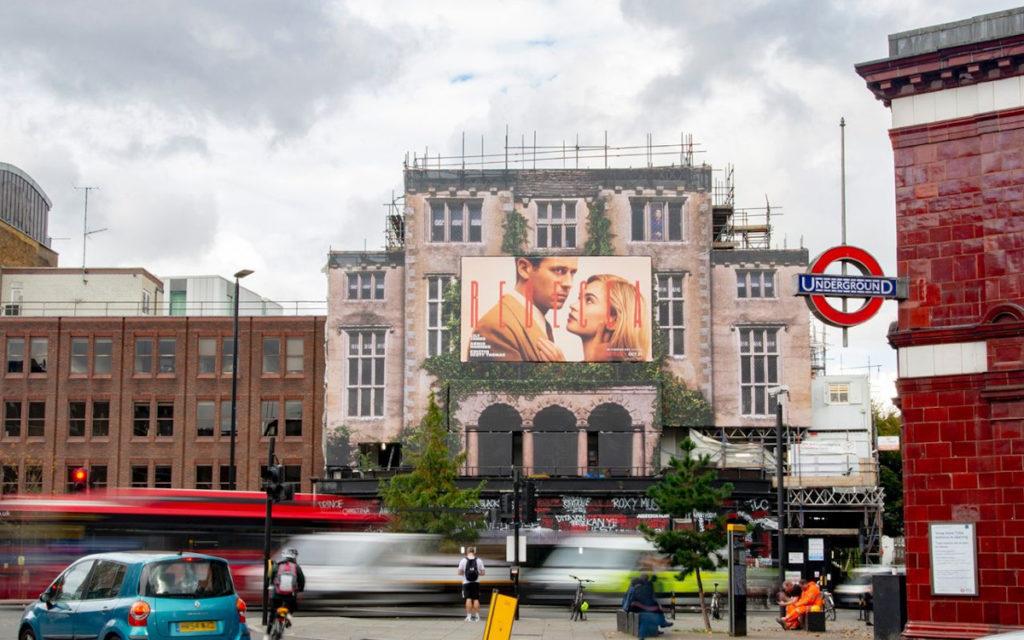 Netflix Rebecca Blowup-Kampagne in London (Foto: Blowup)