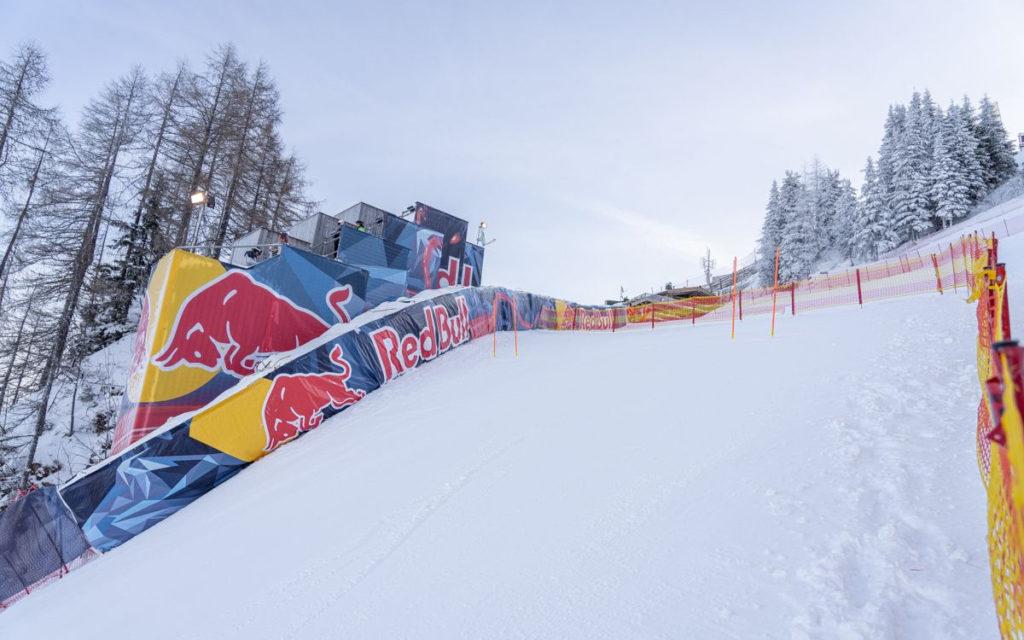 Red Bull ist omnipräsent (Foto: KSC)