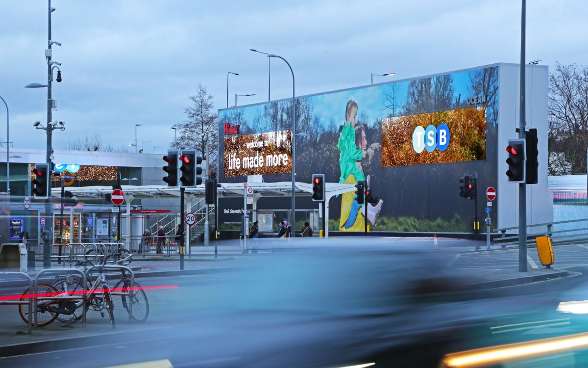 Ocean umrahmt Digital mit statischem kampagnen-neutralen Backlight (Foto: Kinetic)