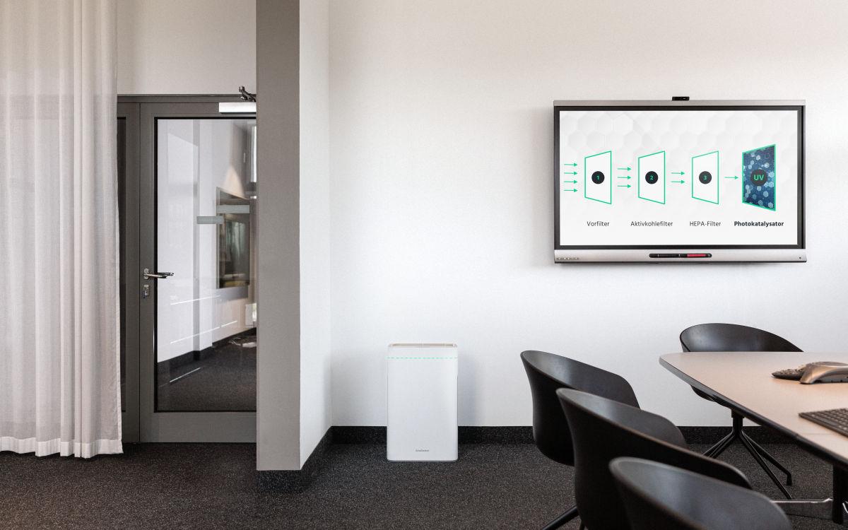 Der AiroDoctor von Screensource in einem Büro (Foto: Screensource)