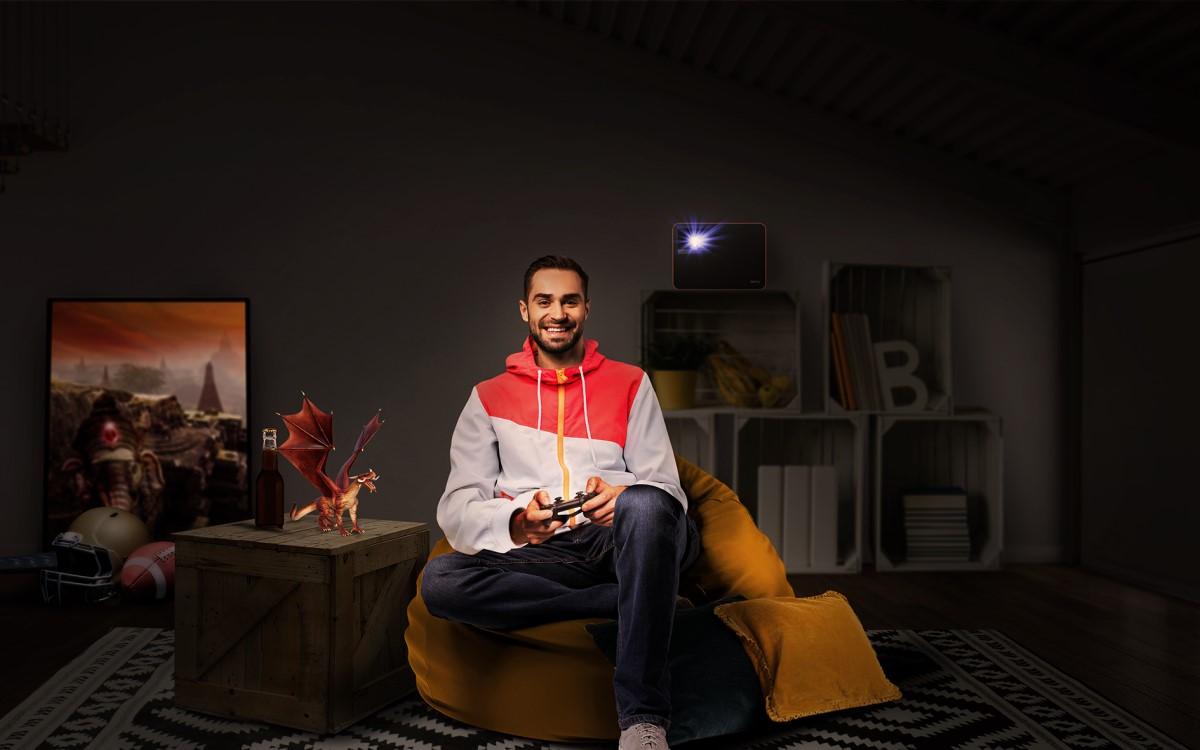 Der BenQ X1300i überzeugt mit niedrigem Input Lag, dedizierten Spiel-Modi, Android TV und treVolo Lautsprechern (Foto: BenQ)