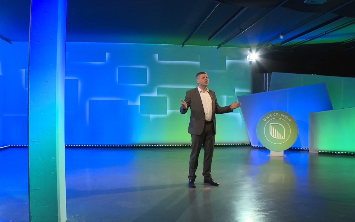 Bosch CDO/CTO Michael Bolle auf der virtuellen Bühne der CES 2021 (Foto: Bosch)