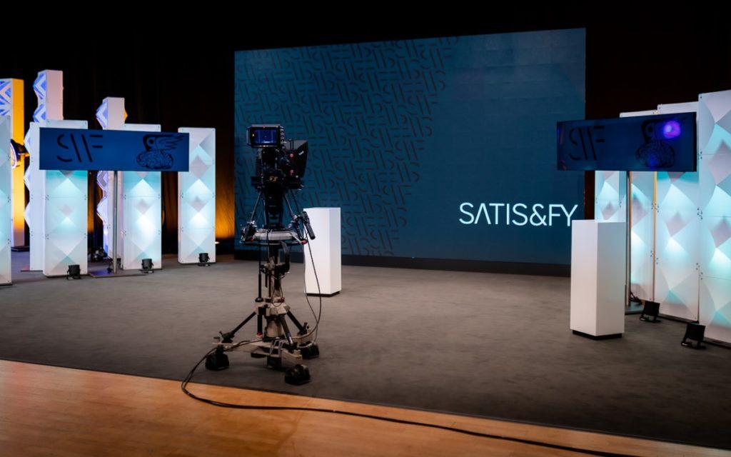 Das neue satis&fy Streaming-Studio in Düsseldorf (Foto: satis&fy)Streaming-Studio von satis&fy im Crowne Plaza Hotel in Düsseldorf (Foto: satis&fy)