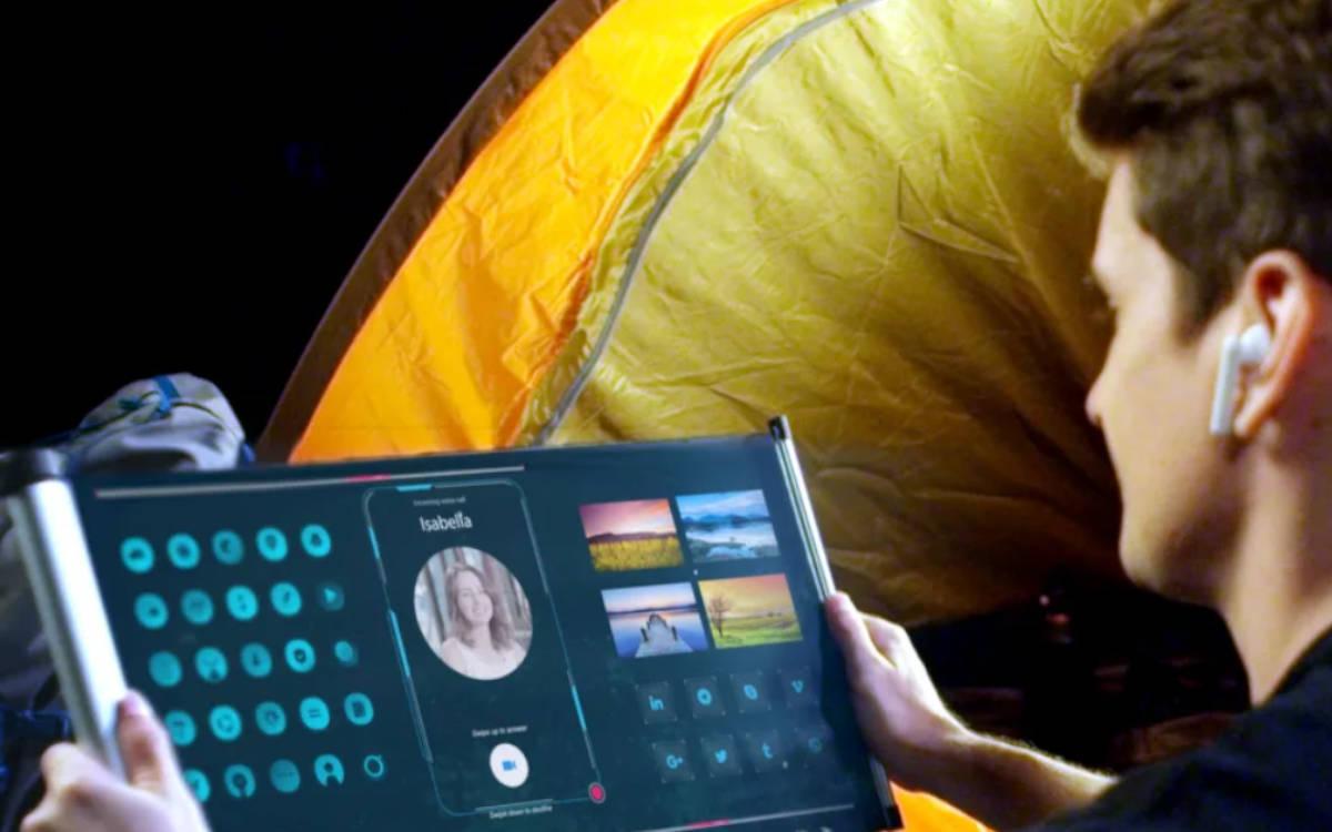 Das flexible 17-Zoll Display von TCL CSOT ausgerollt wie eine digitale Karte (Foto: TCL)