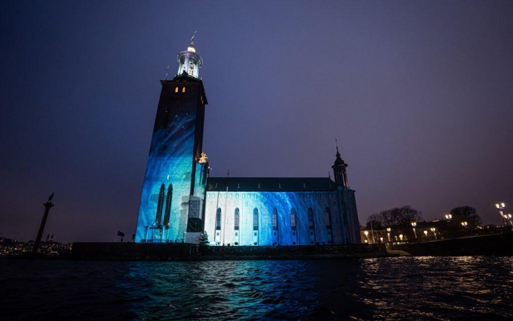 SPACE Projection-Mapping von PXLFLD zur Nobel Week Light Festival an SOckholms Rathaus (Foto: Creative Technology)
