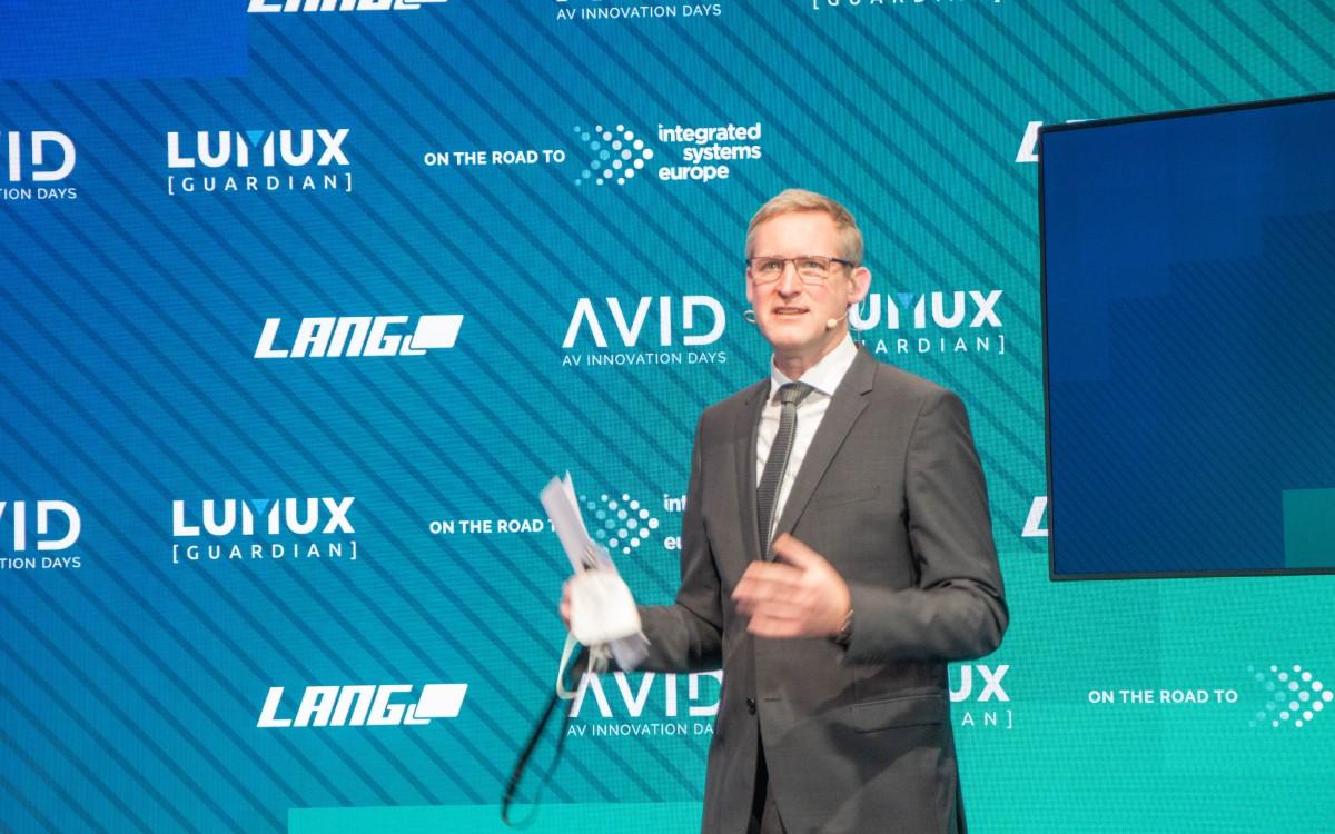 Florian Rotberg von invidis consulting bei den AVID 2021 (Foto: Lang AG)