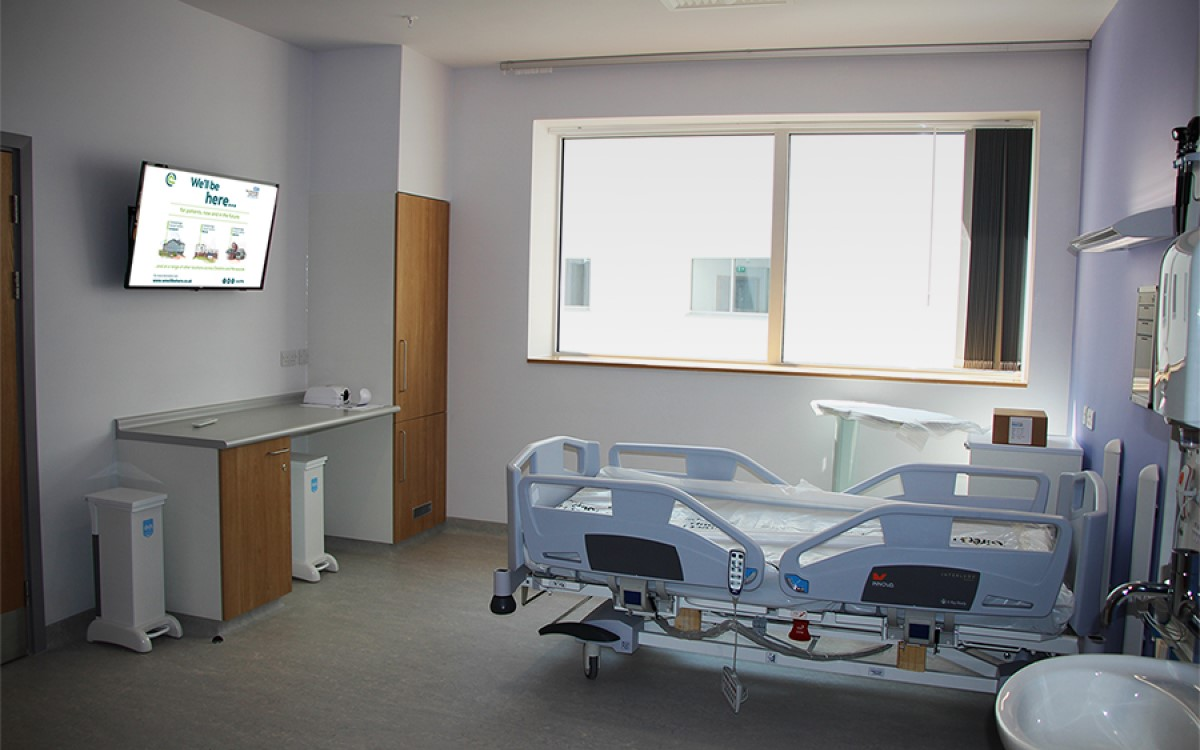 Patientenzimmer im Clatterbridge Krebszentrum in Liverpool mit Philips MediaSuite TV (Foto: PPDS)