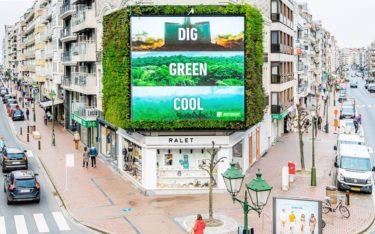 DooH mit Garten – The Green im belgischen Küstenort Knokke (Foto: blowUP media Benelux)