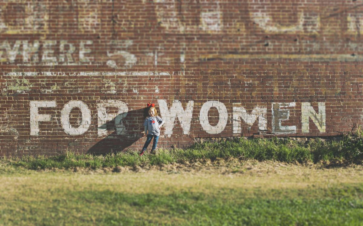 Gesucht - mehr Frauen für die Digital Signage Branche (Foto: Katherine Hanlon / Unsplash)