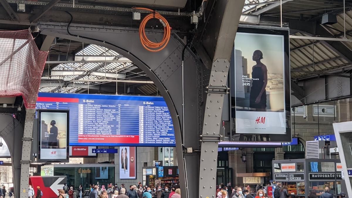 APG trifft SBB - Digital Signage Made in Switzerland (Foto: invidis)