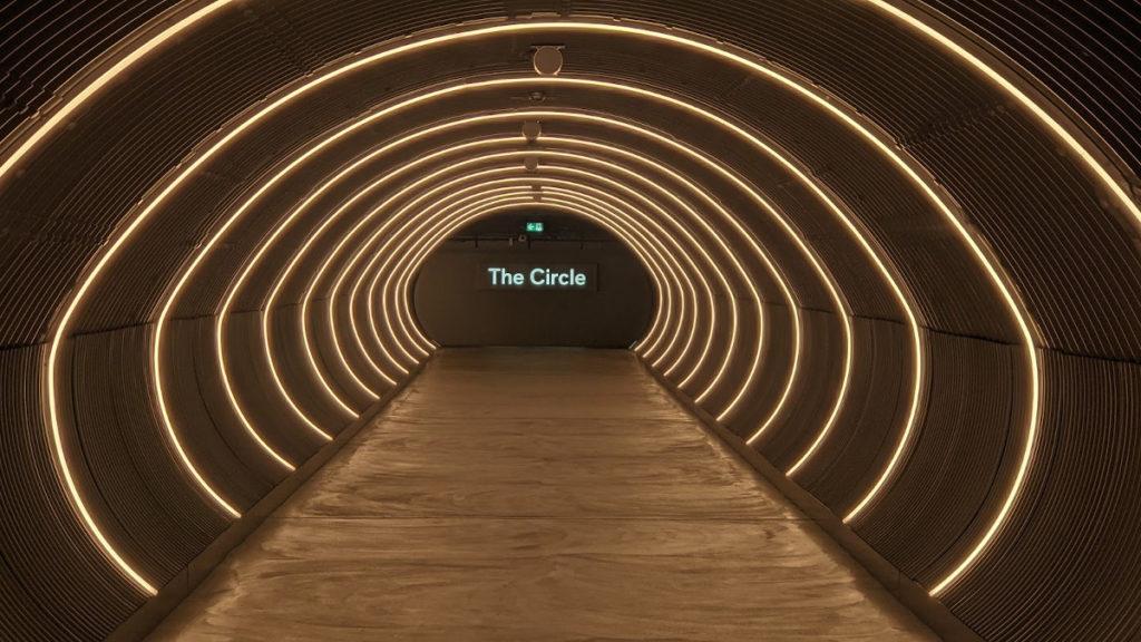 Tunnel zwischen Terminal und The Circle (Foto: invidis)