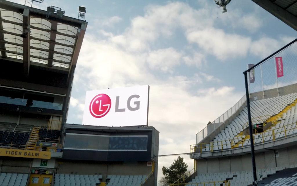 Eine der beiden neuen 38,4 qm großen LED-Videowall von LG für den FC Brügge (Foto: Screenshot)